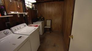 IWMH1006 - Laundry Room Before -1